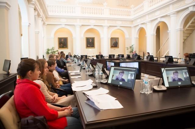 Проект 5-100: академическая мобильность институтов университета развивается успешно